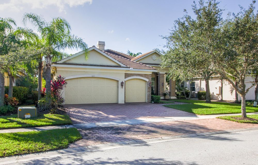 8245 Butler Greenwood Drive Royal Palm Beach, FL 33411 photo 5