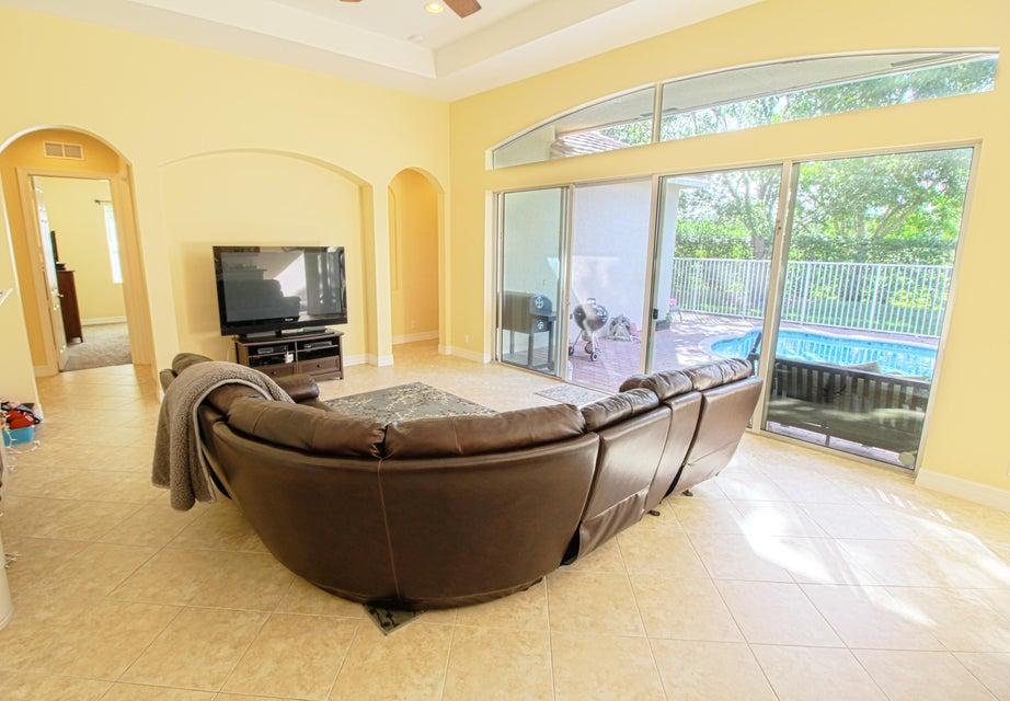 8245 Butler Greenwood Drive Royal Palm Beach, FL 33411 photo 10