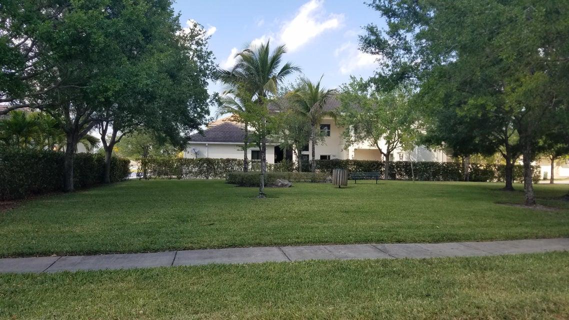 8245 Butler Greenwood Drive Royal Palm Beach, FL 33411 photo 38