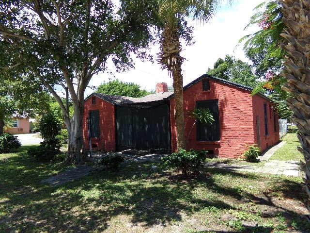 425 E Lakewood Road West Palm Beach, FL 33405