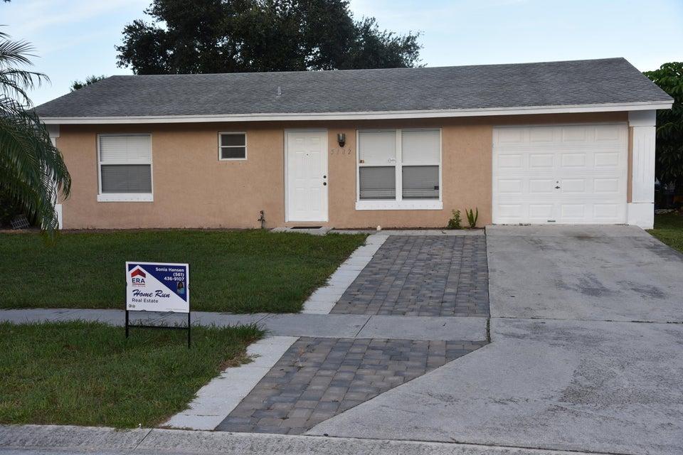 5182 Blueberry Hill Avenue  Lake Worth, FL 33463