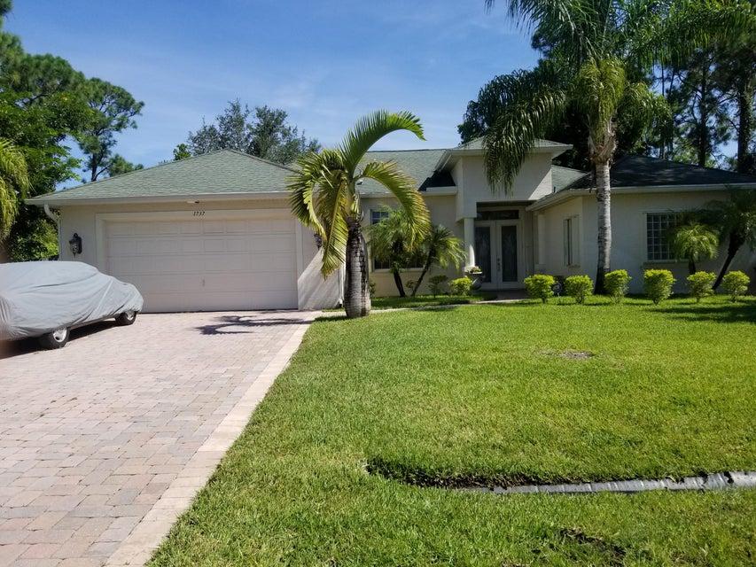 1737 SW Cannon Avenue  Port Saint Lucie FL 34953