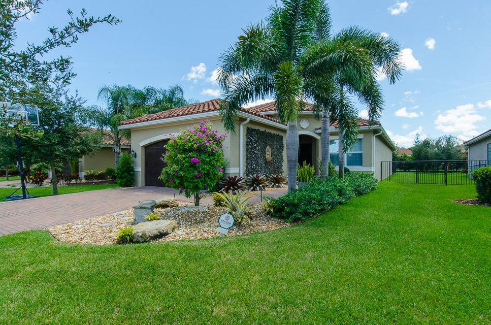 8153 Pinnacle Pass Way  Boynton Beach, FL 33473