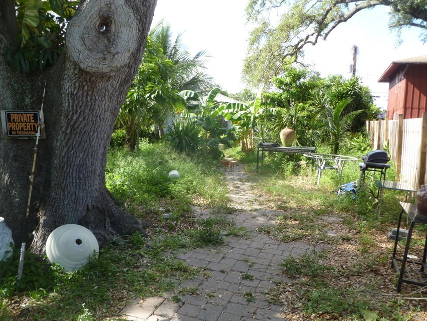 953 Francis Street  West Palm Beach, FL 33405