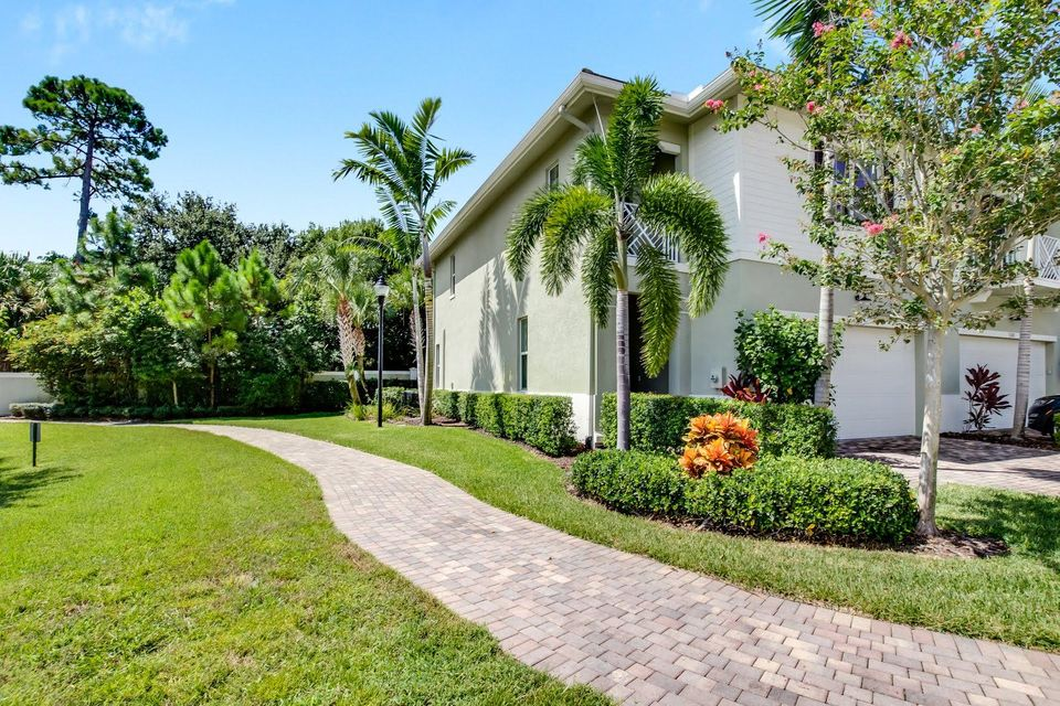 5204 Cambridge Court Palm Beach Gardens, FL 33418 photo 2