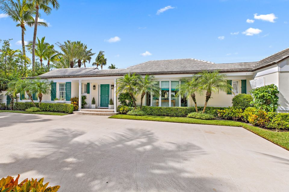 301 Garden Road , Palm Beach FL 33480 is listed for sale as MLS Listing RX-10458854 34 photos
