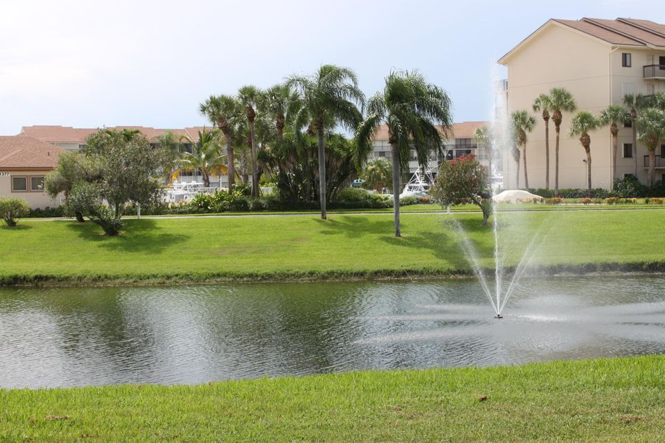 601 Seafarer Circle 104 , Jupiter FL 33477 is listed for sale as MLS Listing RX-10458932 19 photos