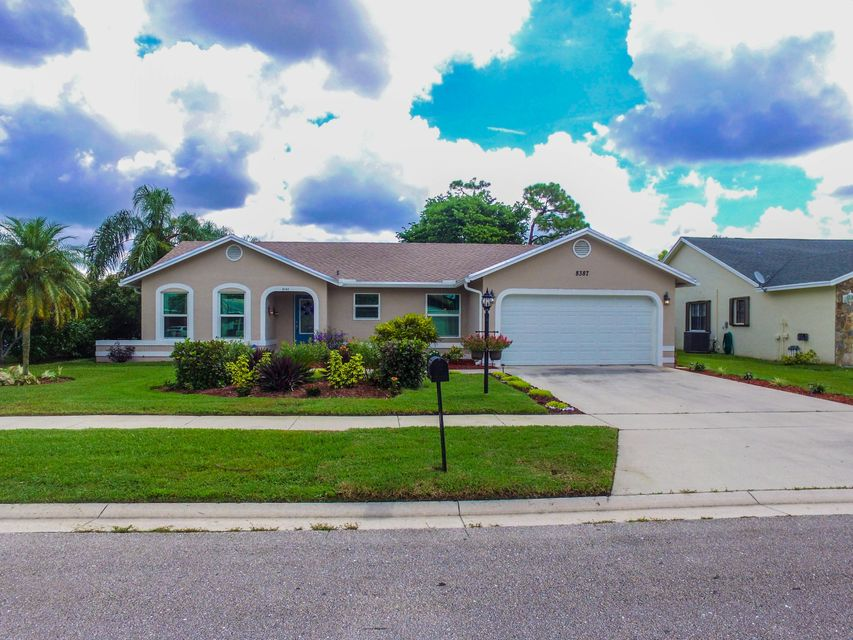 Home for sale in LAKES OF SHERBROOKE PH 4 Lake Worth Florida