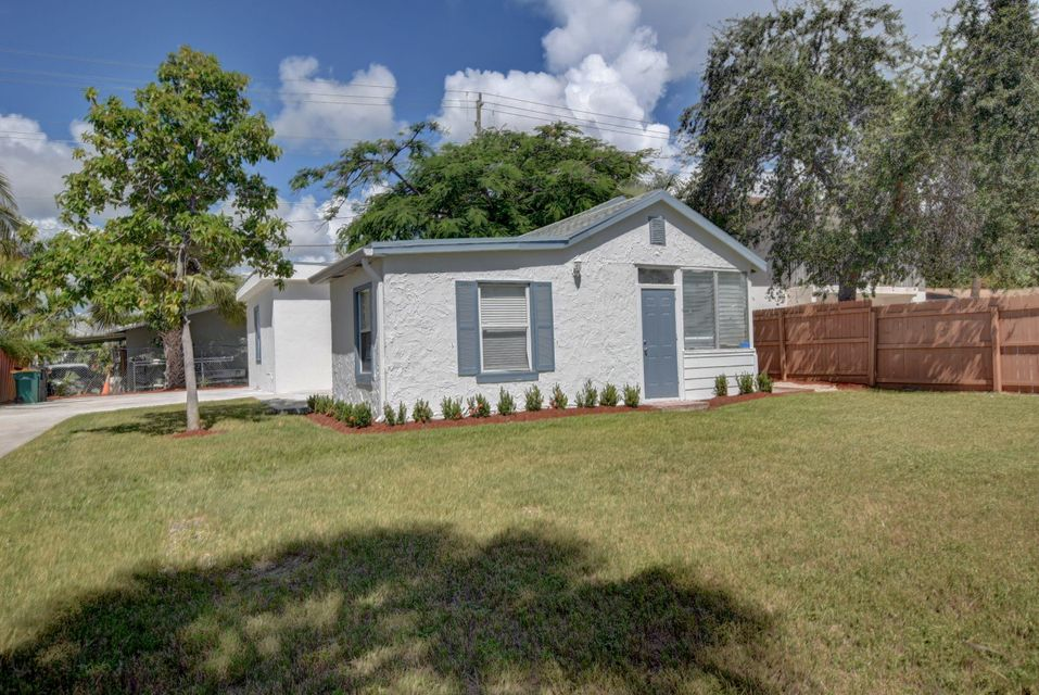 Home for sale in LAKEVIEW HEIGHTS ADD 3 Lake Worth Florida