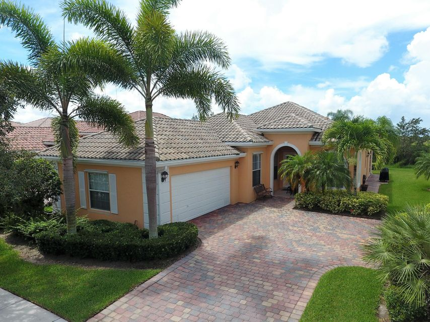 10569 SW Stratton Drive, Port Saint Lucie, Florida