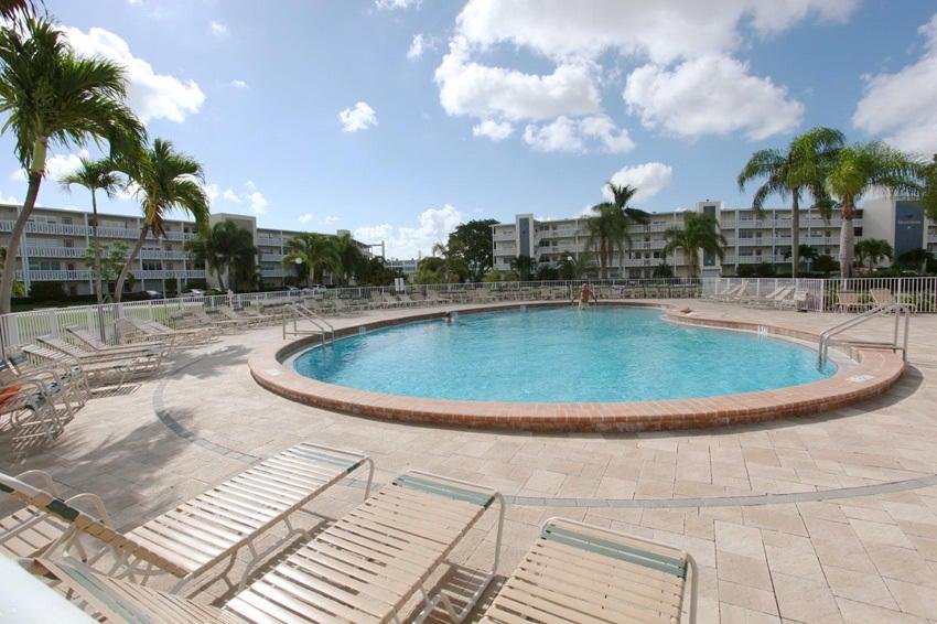 258 Chatham M West Palm Beach, FL 33417