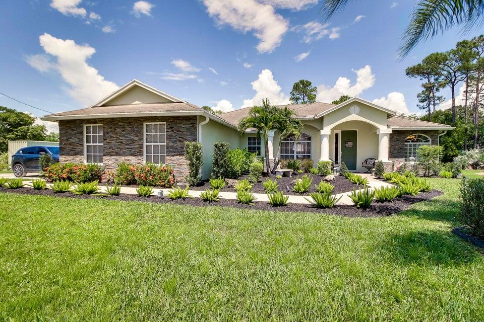 Home for sale in Loxahatchee Acreage Loxahatchee Florida