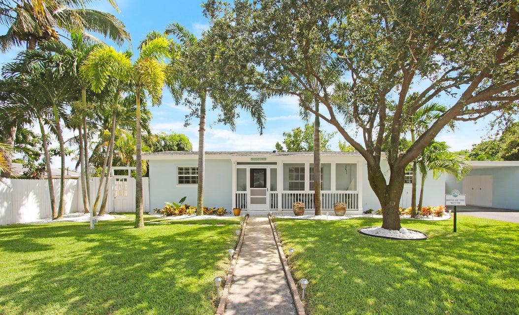1710 Mango Circle  West Palm Beach, FL 33406