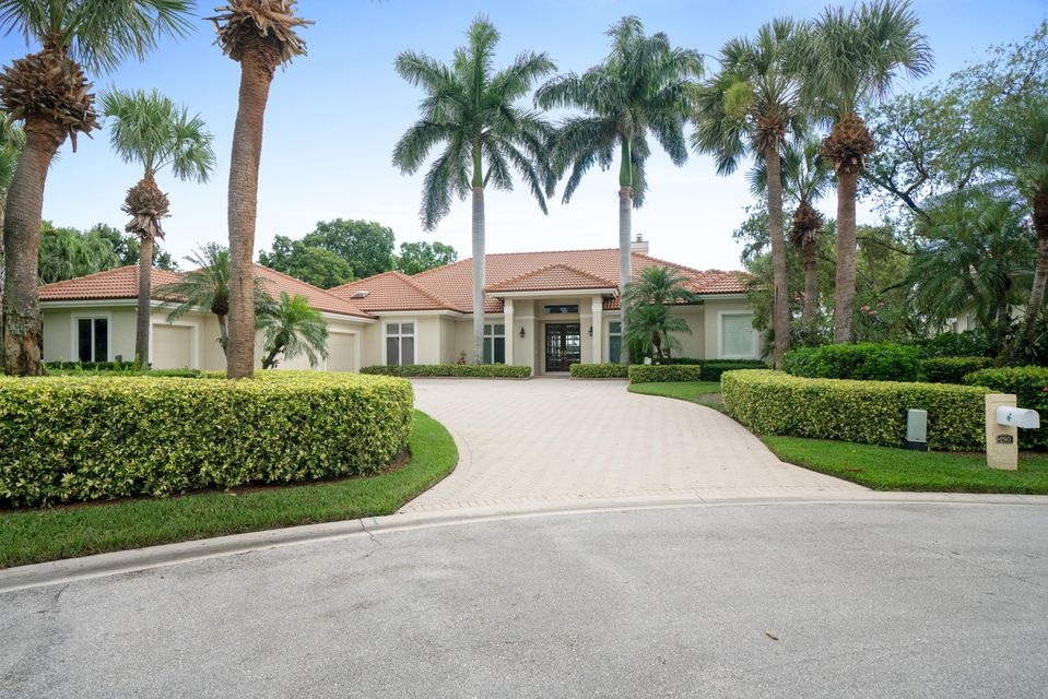 290 Locha Drive , Jupiter FL 33458 is listed for sale as MLS Listing RX-10459918 17 photos