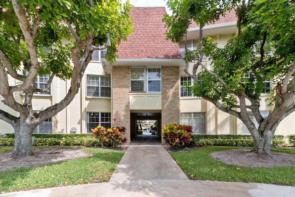 5520 Tamberlane Circle 110  Palm Beach Gardens FL 33418