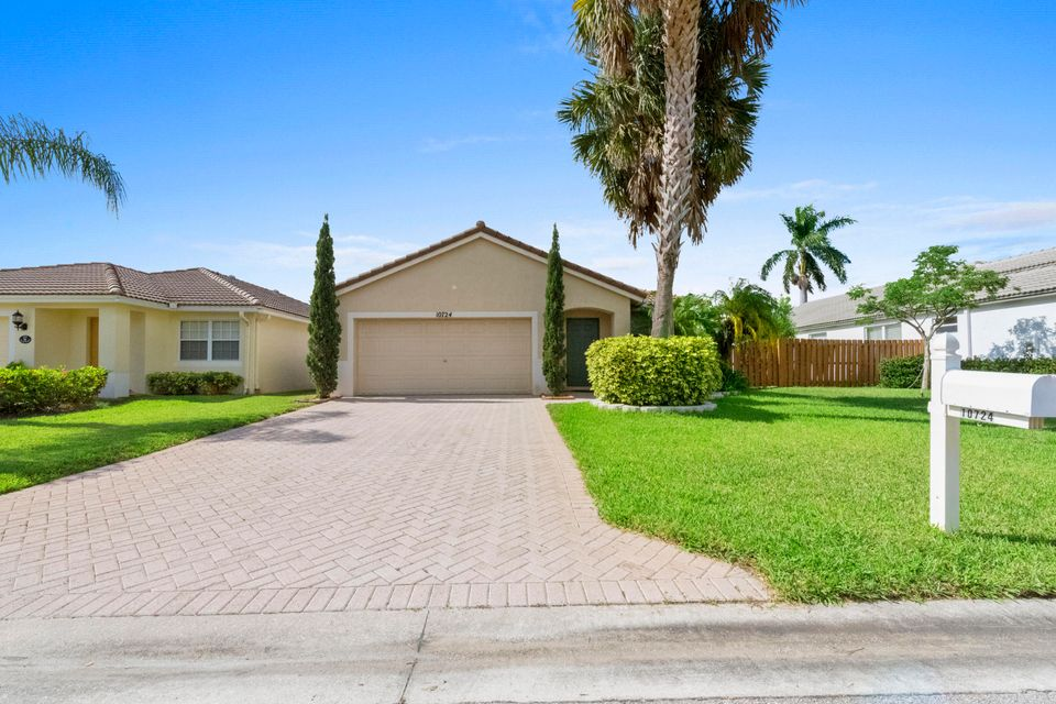 Home for sale in WELLINGTONS EDGE PAR 76 PH 2C Wellington Florida