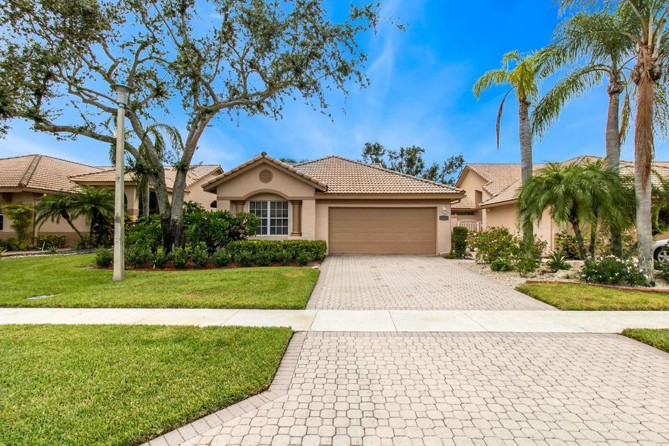8976 Shoal Creek Lane Boynton Beach FL 33472 - photo 2