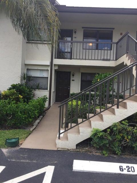 7650 Tahiti Lane 105 Lake Worth, FL 33467