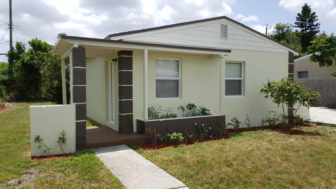 Home for sale in WHISPERING PALMS Lake Worth Florida