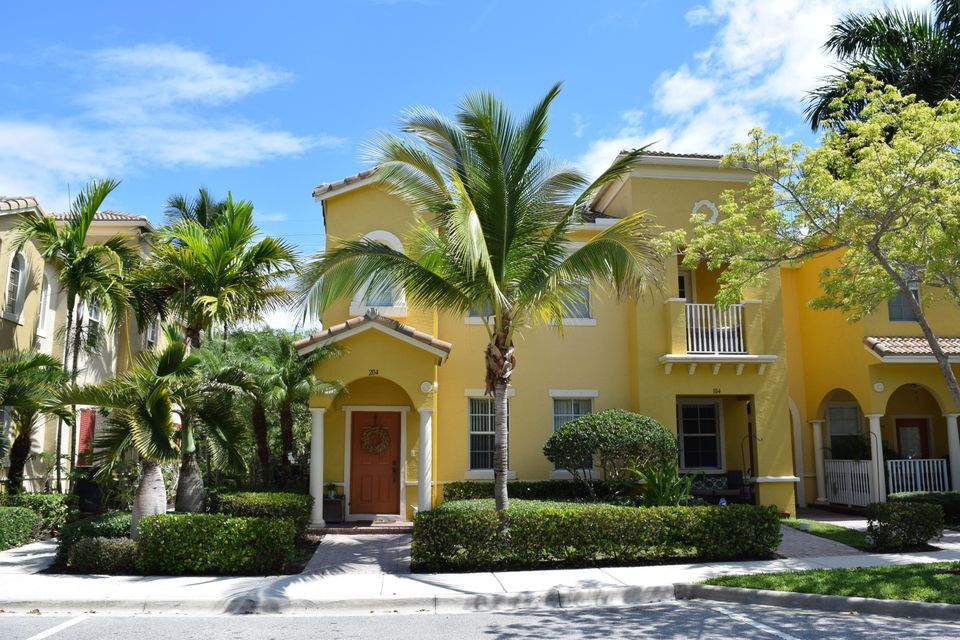 127 Seagrape Drive 204 , Jupiter FL 33458 is listed for sale as MLS Listing RX-10460453 16 photos
