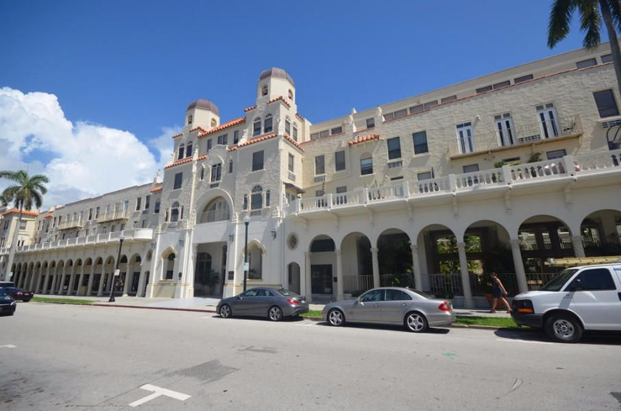 235 Sunrise Avenue 2225 , Palm Beach FL 33480 is listed for sale as MLS Listing RX-10460389 33 photos