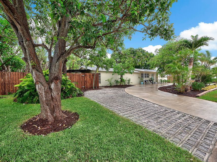 Home for sale in Southside/lewis Shore Estates/soso West Palm Beach Florida