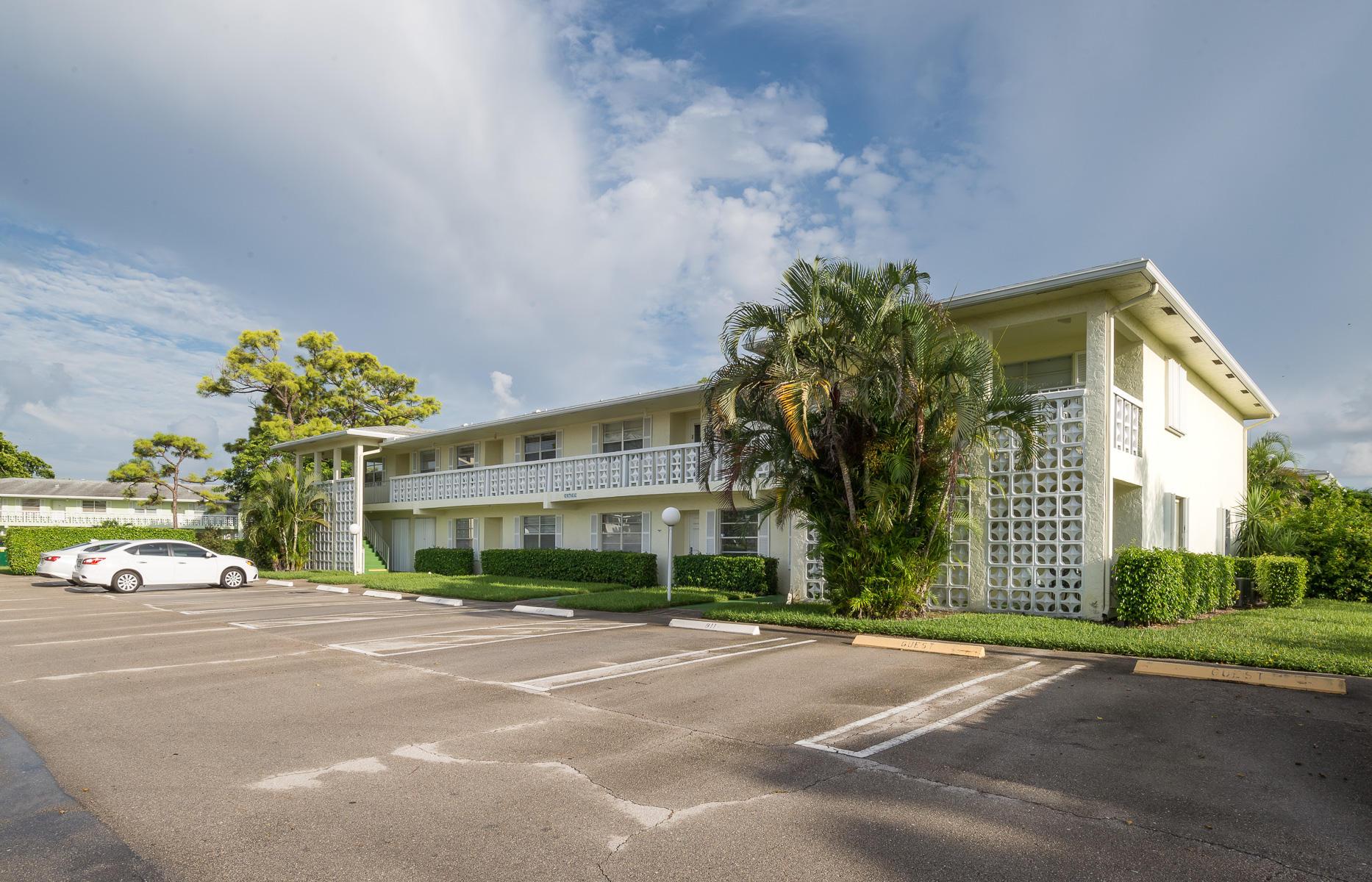 1425 SW 27th Avenue 201  Delray Beach, FL 33445