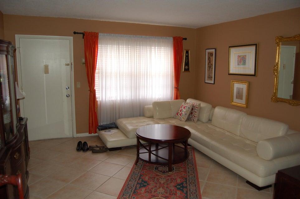 3915 S Flagler Drive 218 West Palm Beach, FL 33405