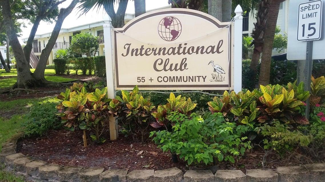 14893 Wedgefield Drive 204  Delray Beach, FL 33446