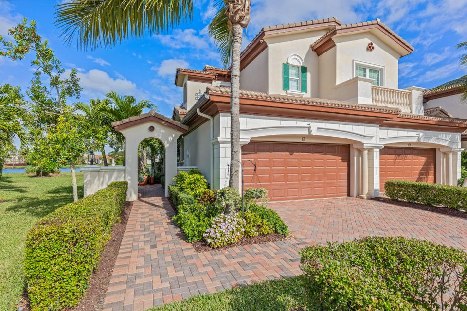 Home for sale in Jupiter Country Club Carriage Homes Jupiter Florida