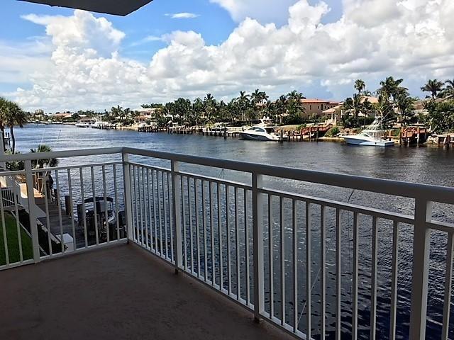 1050 Hillsboro Mile 204w , Hillsboro Beach FL 33062 is listed for sale as MLS Listing RX-10461076 19 photos