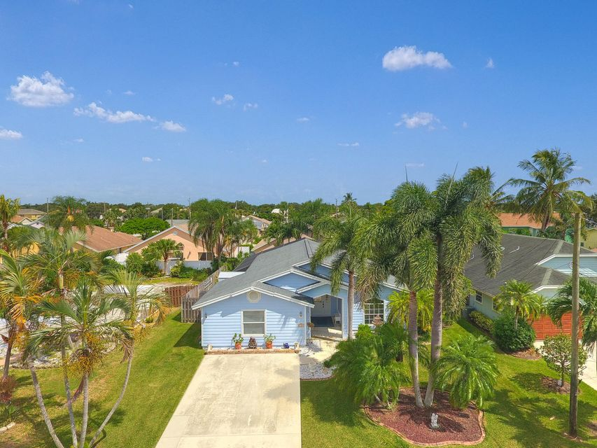 6169 Foster Street , Jupiter FL 33458 is listed for sale as MLS Listing RX-10461309 44 photos