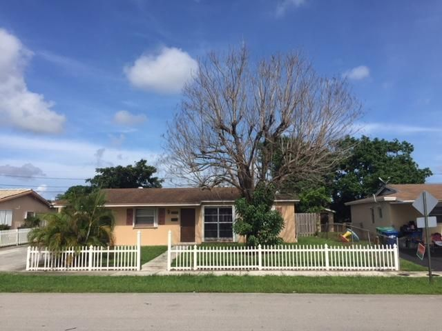 Home for sale in LARKDALE UNIT 6 Lauderhill Florida