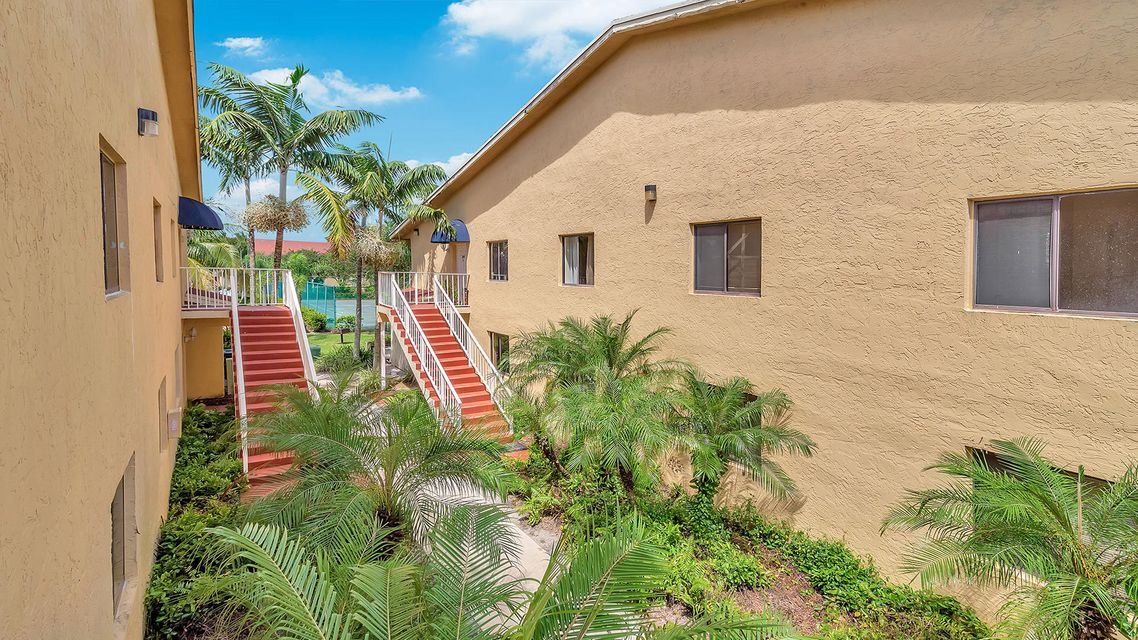 6061 10th Avenue 242 , Greenacres FL 33463 is listed for sale as MLS Listing RX-10461789 21 photos