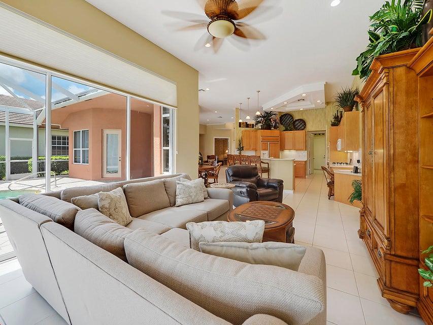 8834 Lakes Boulevard West Palm Beach, FL 33412 photo 7