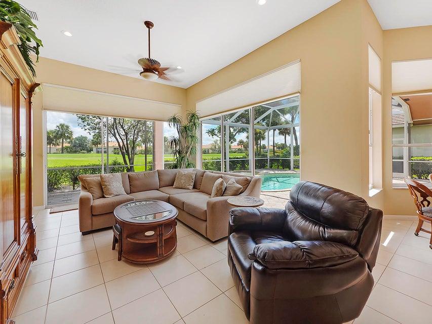 8834 Lakes Boulevard West Palm Beach, FL 33412 photo 6