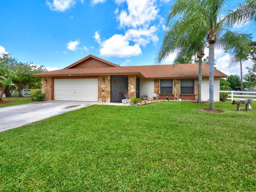 8689 Palomino Drive Lake Worth, FL 33467
