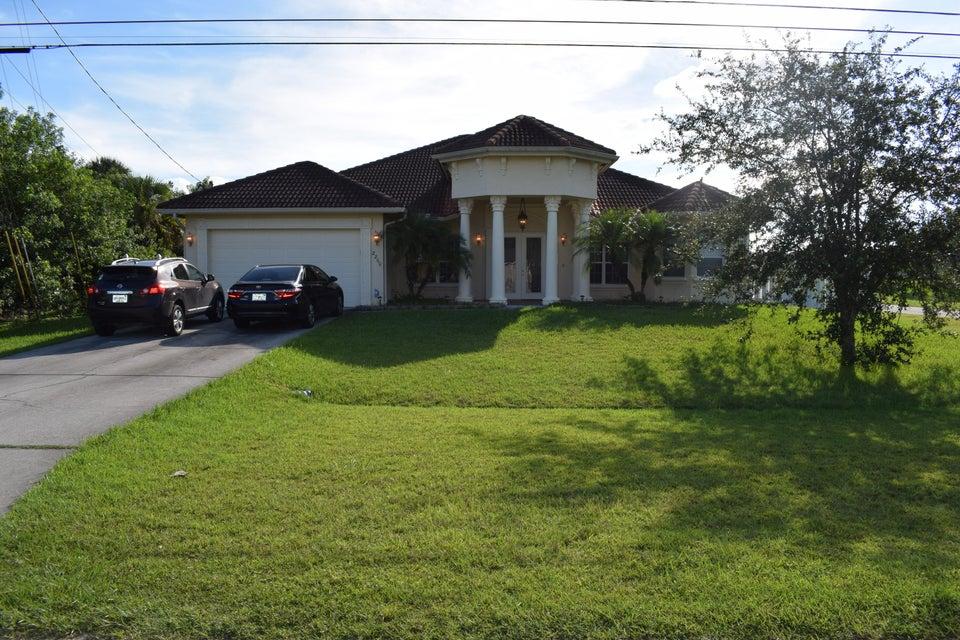 2260 SW Savage Boulevard, Port Saint Lucie, Florida