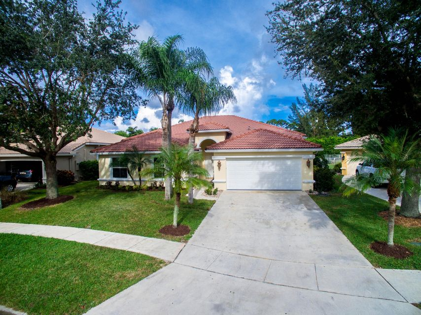 Home for sale in Muirfield Village Lake Worth Florida