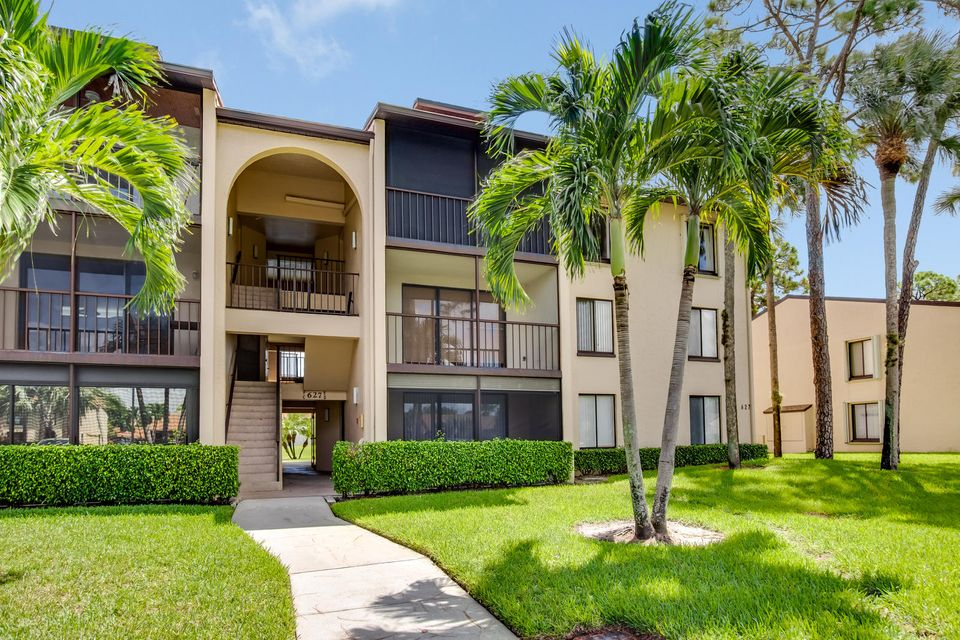 627 Sea Pine Way D3 , Greenacres FL 33415 is listed for sale as MLS Listing RX-10462077 19 photos