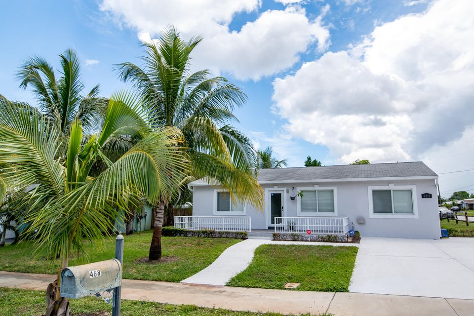 Home for sale in BEVERLY HILLS ADD 2 Boynton Beach Florida