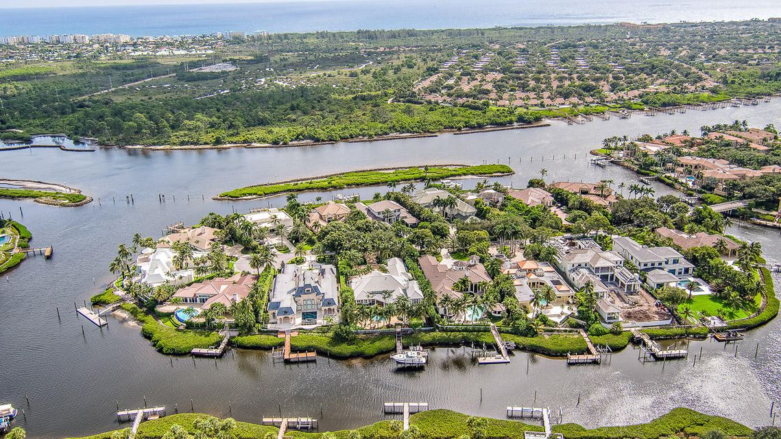 228  Commodore Drive , Jupiter FL 33477 is listed for sale as MLS Listing RX-10462281 photo #31