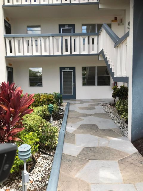 Home for sale in YARMOUTH AT CENTURY VILLAGE CONDO Boca Raton Florida