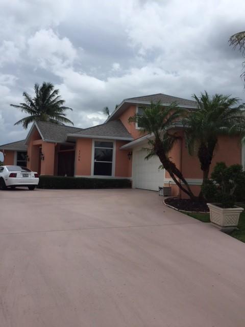 1104 SE Mitchell Avenue, Port Saint Lucie, Florida