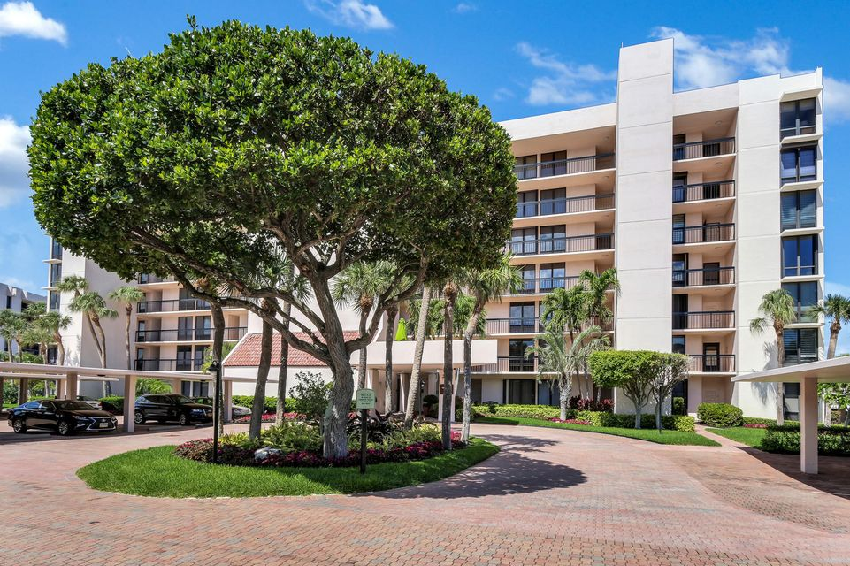 Home for sale in YACHT & RACQUET CLUB OF BOCA RATON CONDO Boca Raton Florida