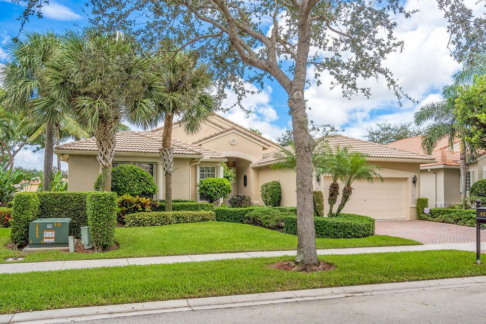 AVALON ESTATES home 12246 Oakvista Drive Boynton Beach FL 33437