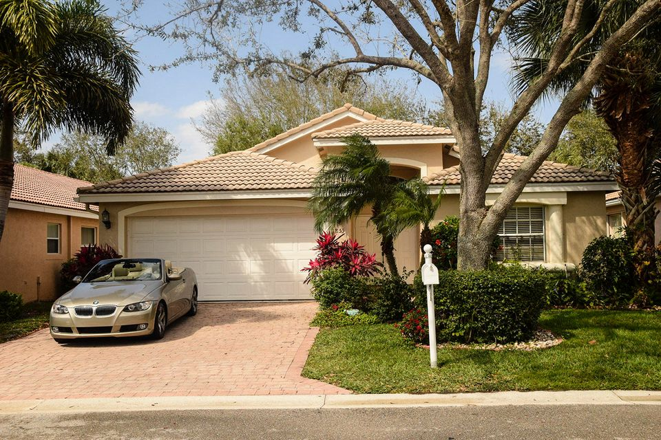 Villa Borghese home 6855 Viale Elizabeth Delray Beach FL 33446