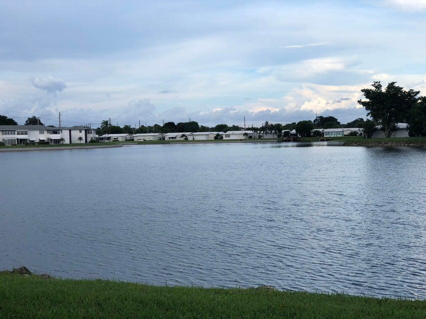 LEISUREVILLE LAKE CONDO home 1118 Lake Terrace Boynton Beach FL 33426