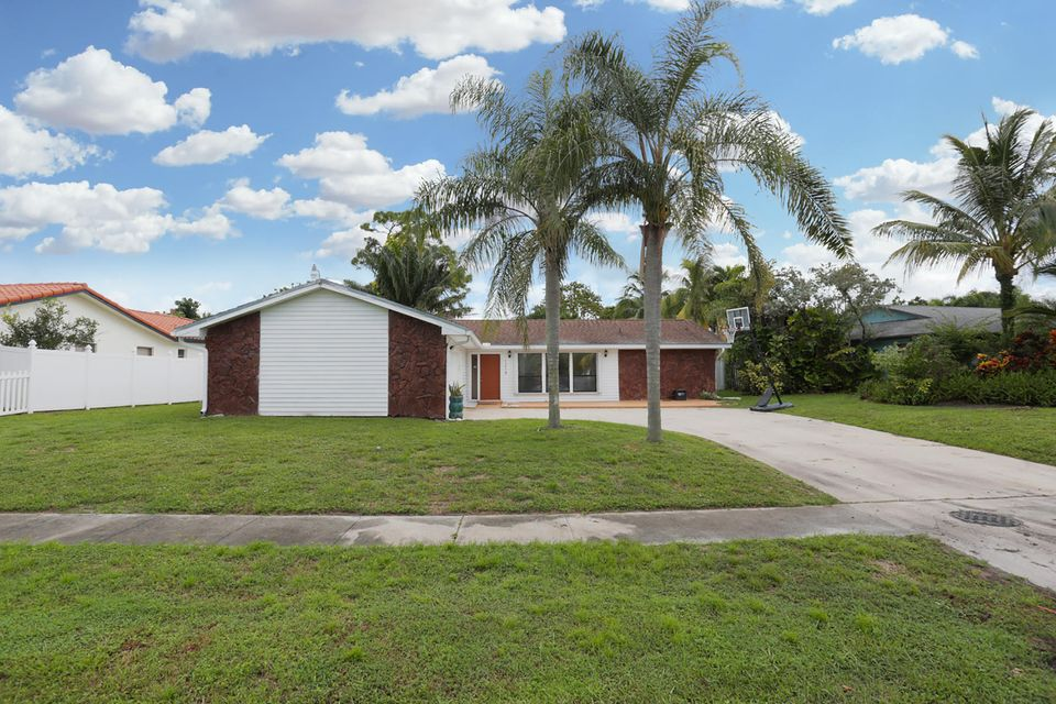 1218 Woodcrest Road West Palm Beach, FL 33417