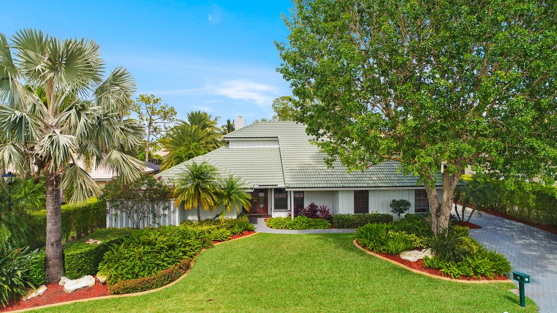14 Rabbits Run , Palm Beach Gardens FL 33418 is listed for sale as MLS Listing RX-10462890 37 photos